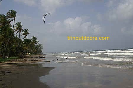 mayaro kite surfer compressed.jpg (50215 bytes)