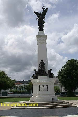 memorial park cenotaph compressed.jpg (58053 bytes)