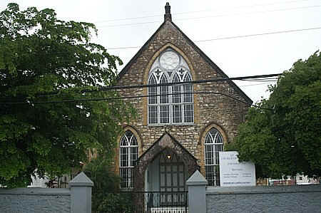 st anns church of scotland compressed.jpg (82962 bytes)